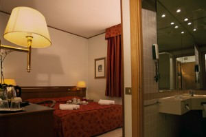 Are you looking for a 4 stars hotel near Pomigliano?