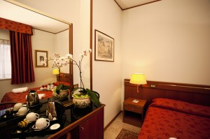 Are you looking for a 4 stars hotel near Nola?