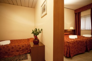 hotel with family rooms near Napoli
