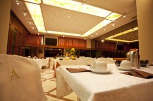 hotel near Naples with vegetarian breakfast